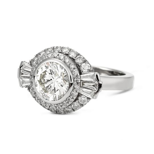 Graduating double halo diamond ring